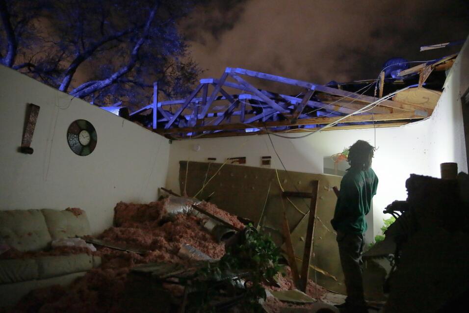 Tormentas y tornados dejan al menos tres muertos en el sur  tornado7.jpg