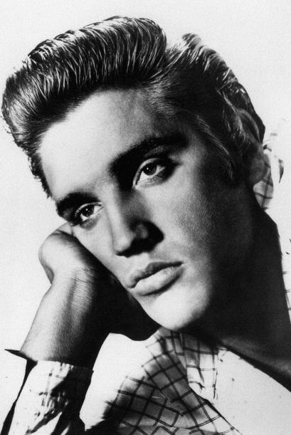 Elvis Presley Simple y sencillamente, uno de los famosos más impo...