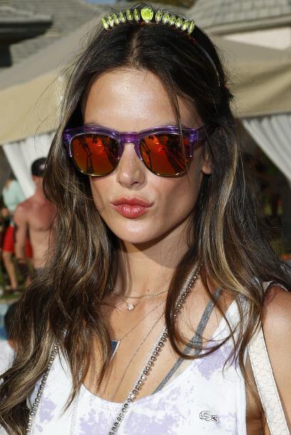 Alessandra Ambrosio es una de las chicas que ama estar a la moda y por s...