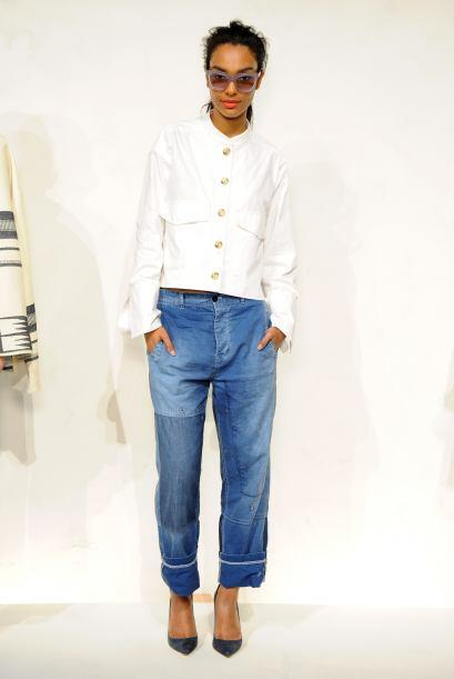 'Mom jeans'. Esta temporada, los 'jeans' de moda son más sueltos y más c...