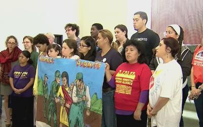 Con huelga de hambre activistas buscan que alcalde de Miami-Dade no tome...