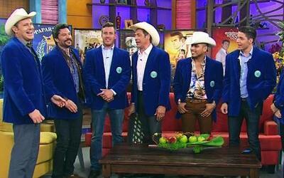 Los paparrines recibieron a Espinoza Paz y muchos guapos más
