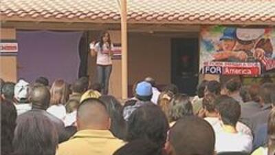 Reunion de manifestantes en apoyo a una reforma migratoria en Phoenix