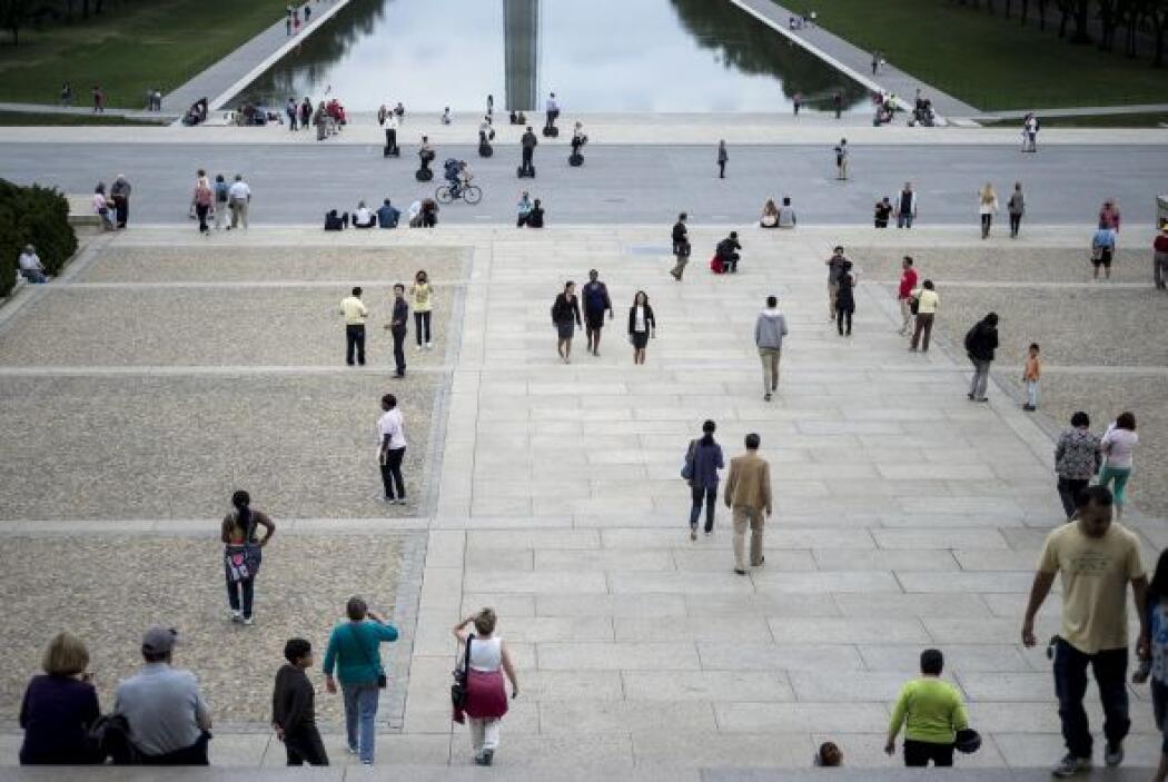 En Washington, el centro de visitantes del Capitolio reabrió sus puertas...