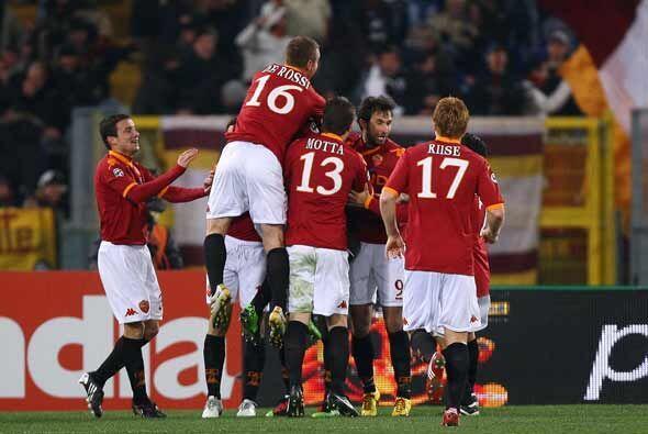 La Roma marcha segundo y no pierde sus aspiraciones de titularse.