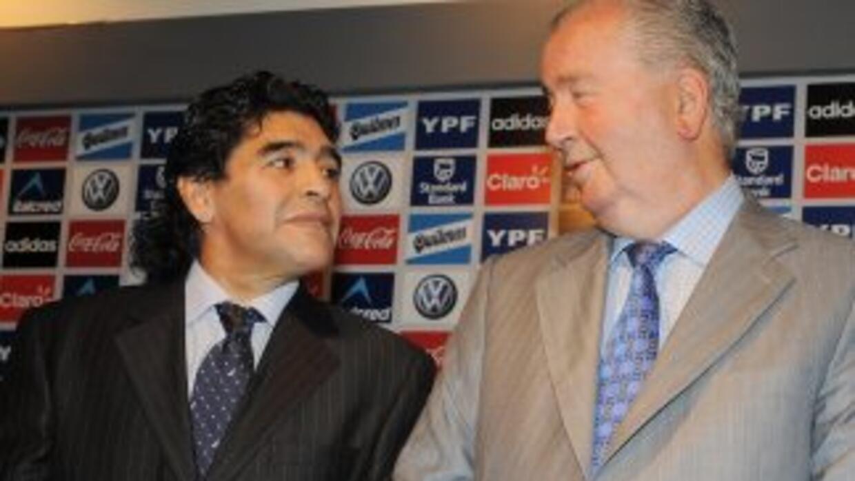 Maradona tuvo una relación de clarouscuros con Julio Grondona.