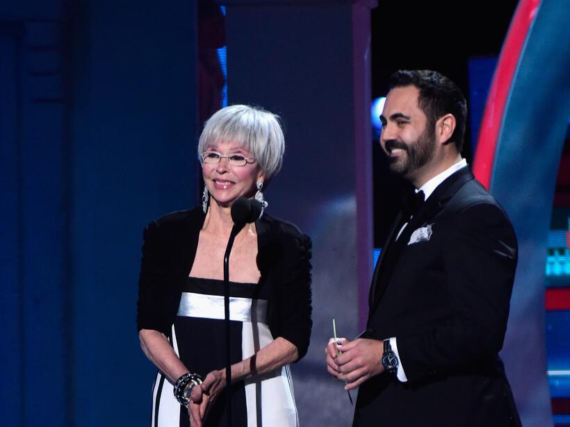 Enrique Santos y Rita Moreno fueron los encargados de presentar el Premi...