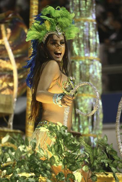 La Escuela de Samba ´Unidos de Vila María´ fue la que contrató a Larissa...
