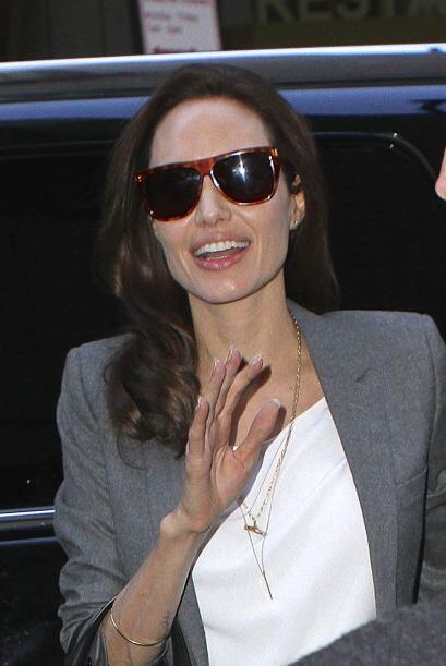 Esta mujer no se cansa de mostrarnos sus espectaculares joyas, una en es...