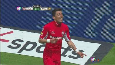 Edgar Benítez hace el 3-1 del Toluca con el que remata a los Leones Negros