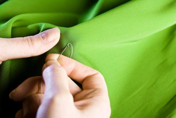 Repara lo que tienes. Antes de reemplazar una prenda, intenta componerla...