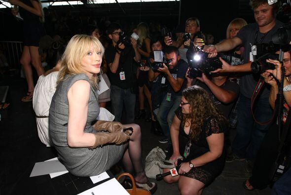 La cantante estadounidense Courtney Love coincidió con Hugo Ch&aa...