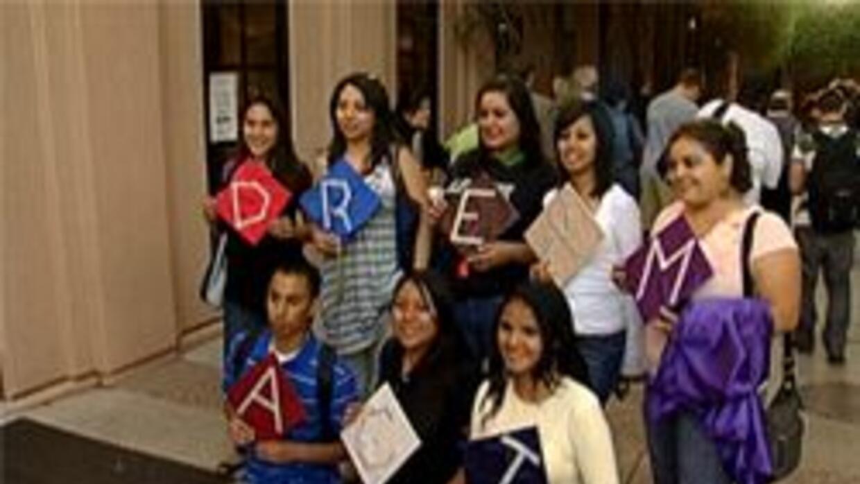 """Estudiantes de ASU pidiendo que pasen el """"Dream Act"""""""