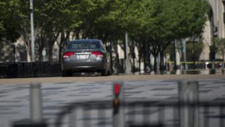 Tras la alerta se cerró al paso peatonal y vehicular la Avenida Pennsylv...