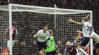 Bale había puesto en ventaja a los 'Spurs' y cuando estaba por terminar...