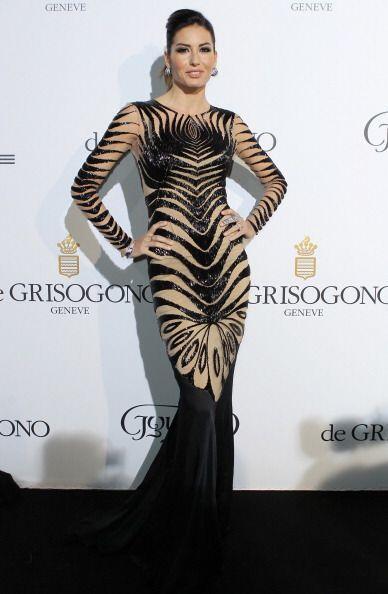 ¡Elisabetta Gregoracci le apostó al 'nude' y el estampado en color negro!