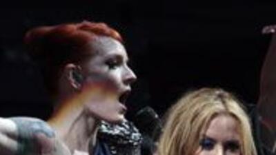 Kylie besó a otra mujer en el escenario de Glastonbury 74c03d43b83a49d18...