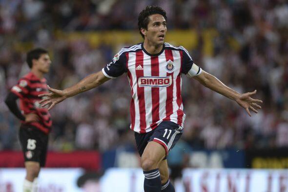11 Aldo de Nigris.-  El delantero del Guadalajara está listo para...