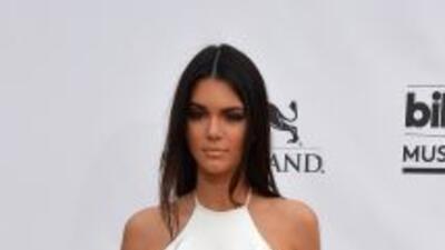 Kendall Jenner reconoció que es muy mala leyendo.