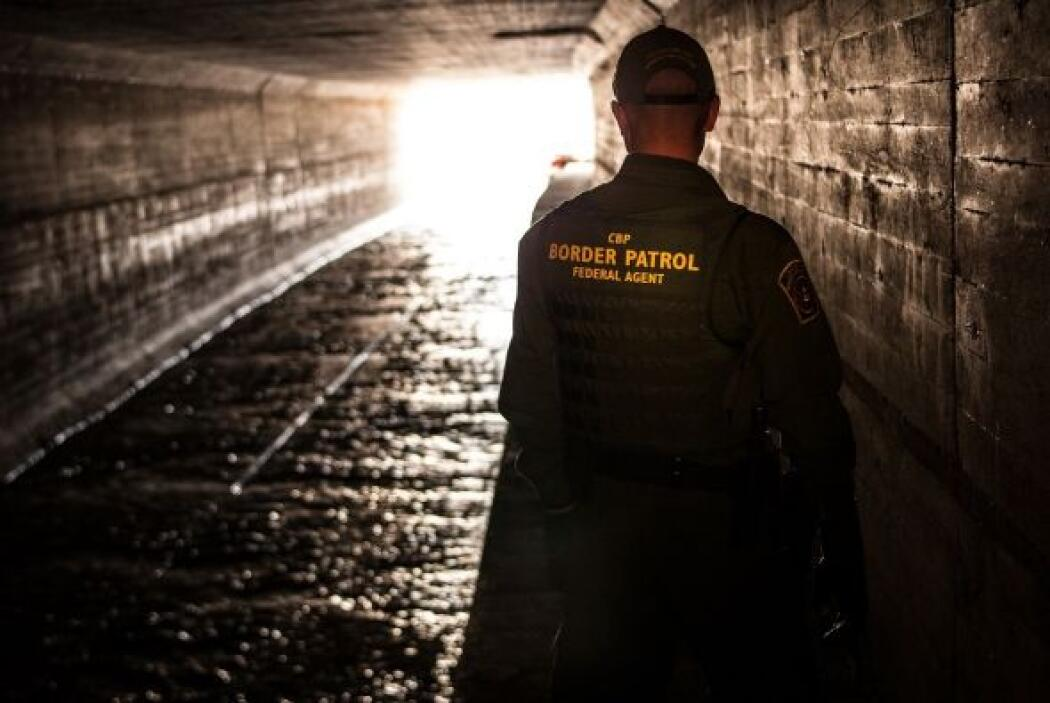La que en español sería la Oficina de Protección Fronteriza opera a nive...