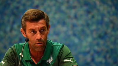 Pedro Caixinha dio conferencia para anunciar su salida del Club Santos.
