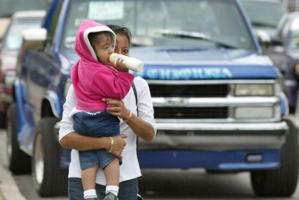 De los 4.6 millones de latinos elegibles y sin seguro, de edades entre 1...