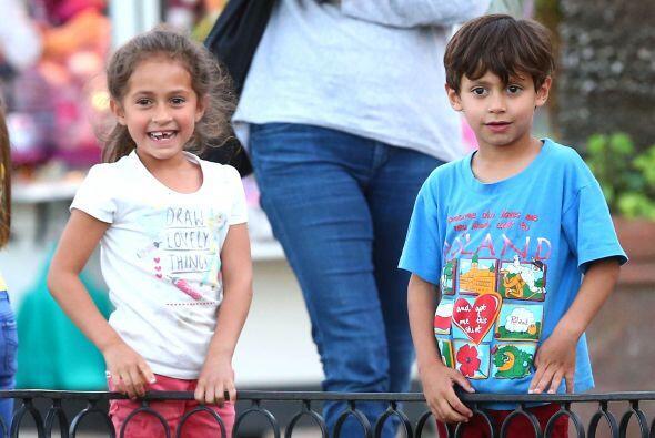 Encontramos a los pequeños de Jennifer Lopez y Marc Anthony muy divertid...