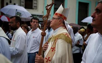 La procesión estuvo encabezada el cardenal Jaime Ortega, quien abogó por...