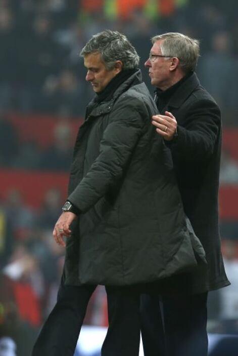 José Mourinho abandonó el banquillo poco antes de terminar el partido. D...