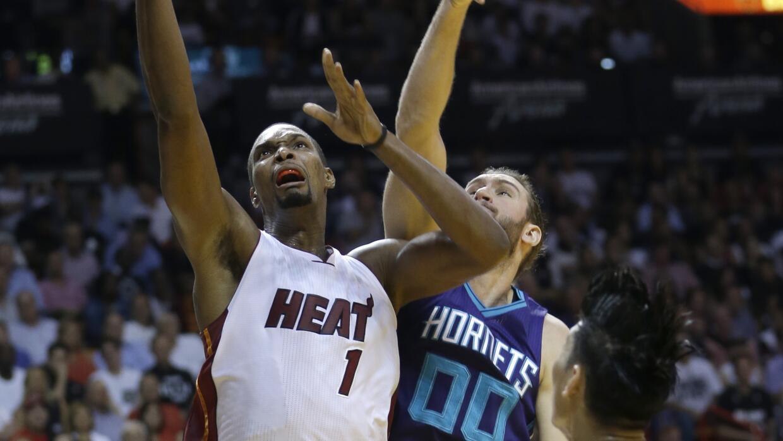 El Heat encestó 12 de 20 intentos de triple.