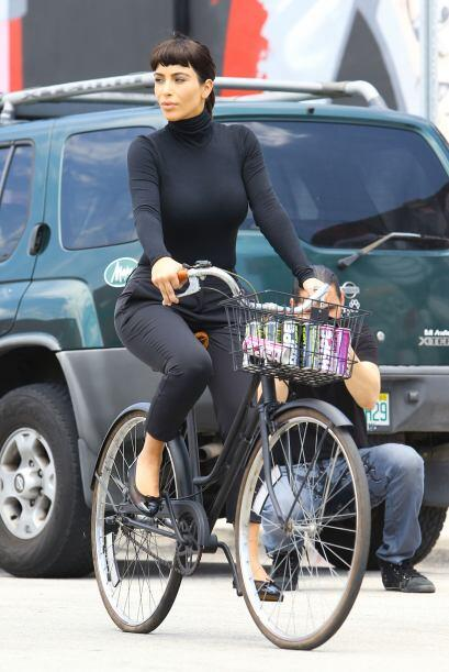 Kim tuvo que cubrir sus curvas para dar vida a la legendaria actriz. M&a...