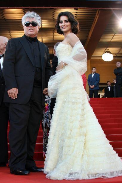 La princesa y el rey del cine españoles hacen honor a sus respect...