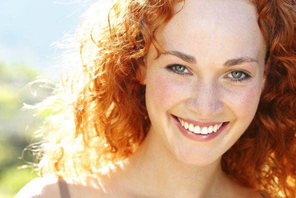 Sonrisas: La diferencia en ti y en los que te rodean cuando sonríes es i...