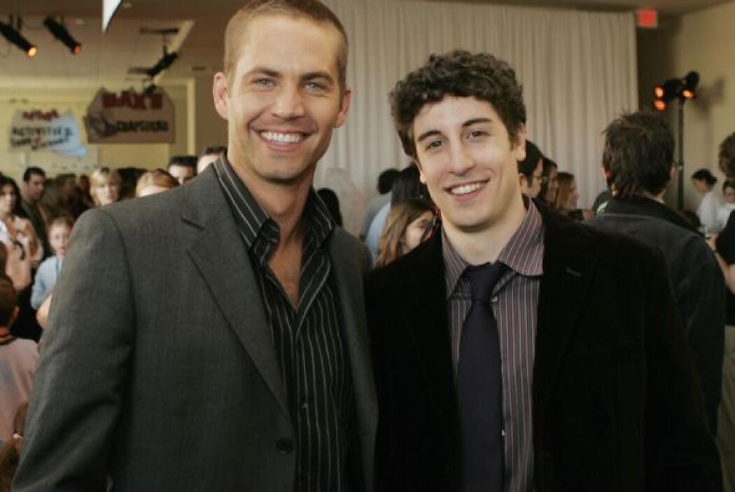"""Paul en la fiesta tras el estreno junto a su amigo, el actor de """"America..."""