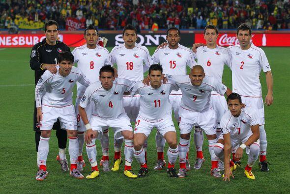 Chile tuvo un muy buen Mundial en Sudáfrica. 'Chupete' Suazo, Matías Fer...