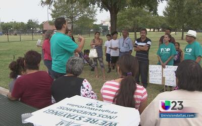 Familias protestan por amenaza de desalojo de sus viviendas