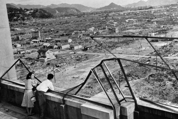 Finalmente el 15 de agosto Japón se rindió aunque el documento oficial s...
