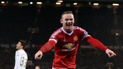 Wayne Rooney festeja el gol de la victoria devil