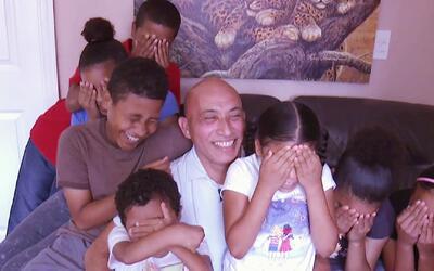 Papá soltero con 7 hijos se siente bendecido al poder criar a sus hijos