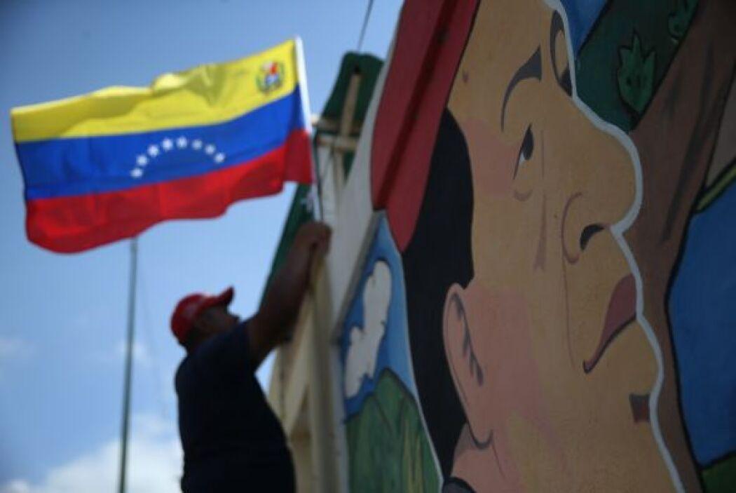 O característicos murales en honor al mandatario.