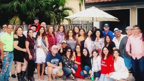 La familia de Primer Impacto te desea un feliz año 2017
