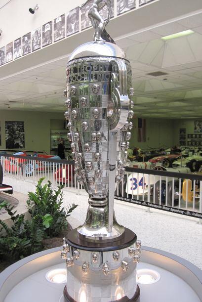 El trofeo de las 500 millas.