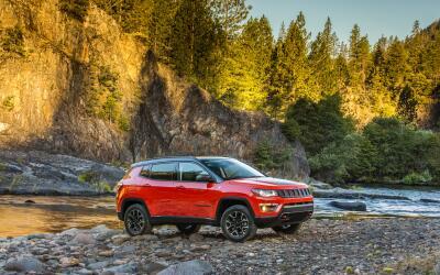 Jeep mostró en Los Angeles la nueva Compass 2017, en busca de dif...