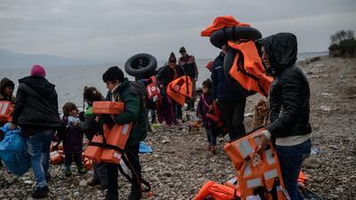 Mueren al menos 39 refugiados en naufragio