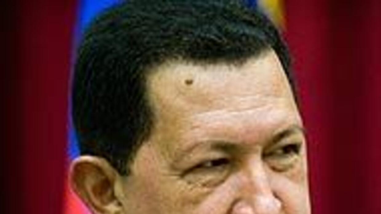 Chávez insiste a la oposición en que intente un referendo en su contra 6...