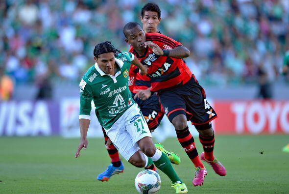 Jugò 84 minutos, no recibió ninguna tarjeta, tiró dos veces a gol, asist...