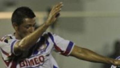 Cuando el partido agonizaba, el Atlético Marte remontó y despachó al cam...