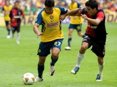 Tony López es un delantero de 20 años que ya tuvo un a buena prueba en e...