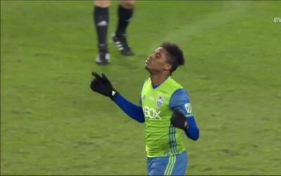 Goooolll!!! Joevin Jones anota su penalti para el Seattle Sounders