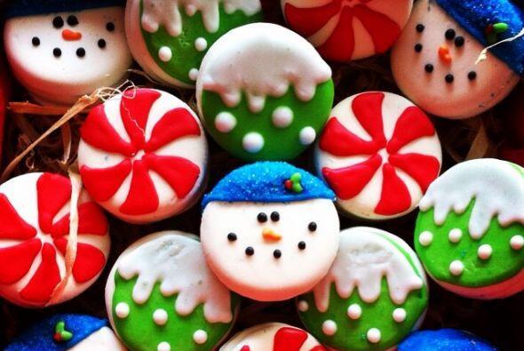 Maite Perroni compartió la imagen de las galletas navideña...
